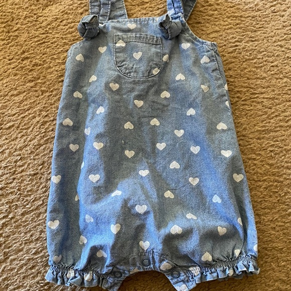 Carter's 6 month overall/romper